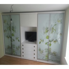 Шкафы купе с тумбой для телевизора