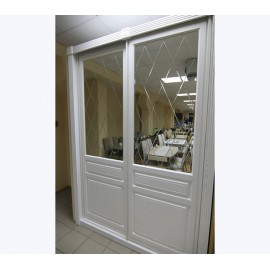 Зеркальные двери купе с фацетом