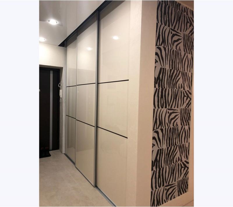 Откатные двери для шкафов