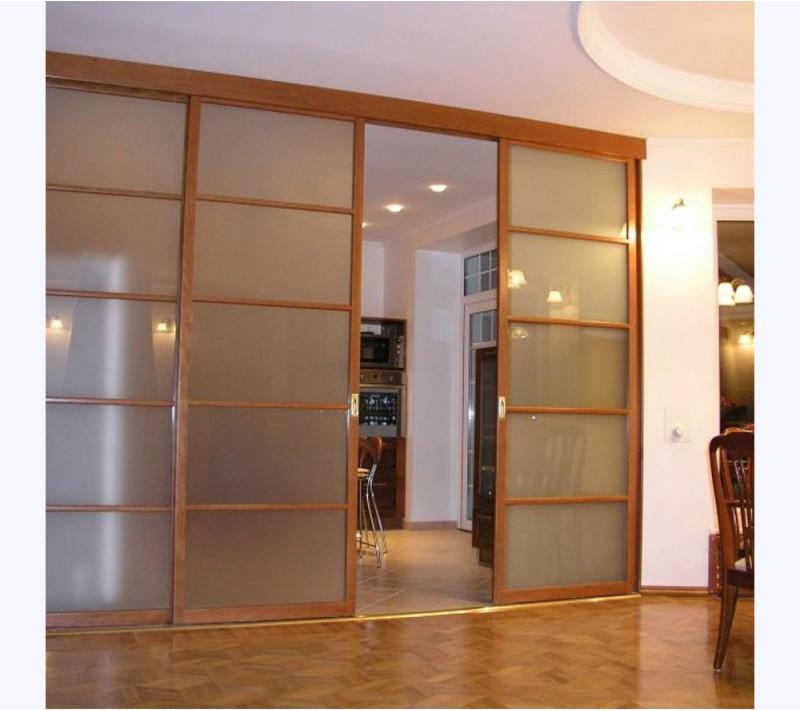 Раздвижные двери со стеклом межкомнатные