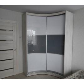 Угловой глянцевый шкаф купе