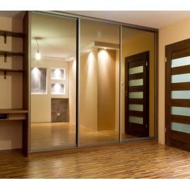 Встроенный шкаф купе с зеркальными дверями