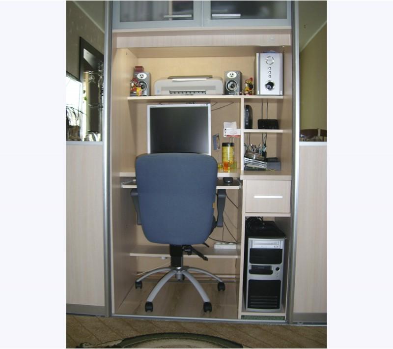 Письменный стол встроенный в шкаф купе