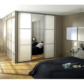 Шкаф купе 3 двери с зеркалом белый