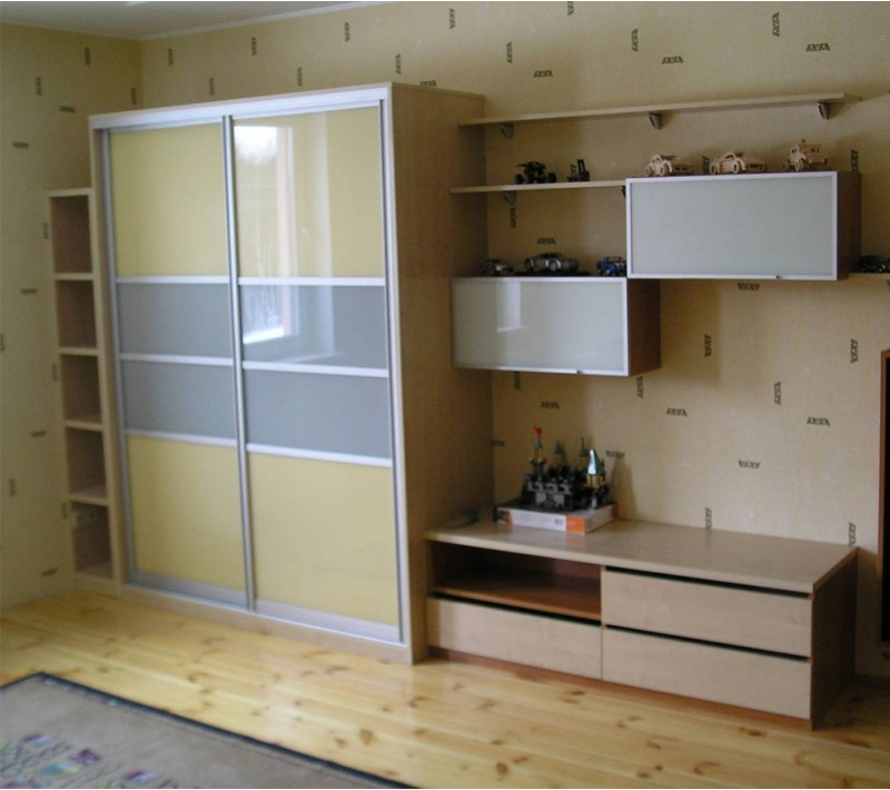 Стенка в комнату со шкафом купе