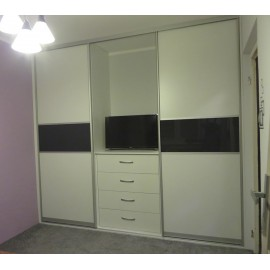 Шкаф купе с нишей для телевизора