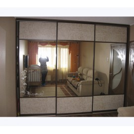 Шкаф купе 3х дверный с зеркалами